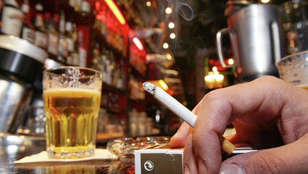 should alcohol and tobacco advertisement be banned essay